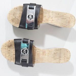 Michael Kors peep-toe black sandle leather upper